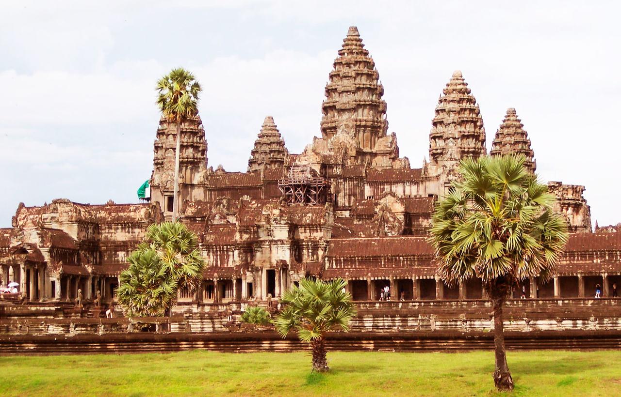 Angkor2_Easy-Resize.com