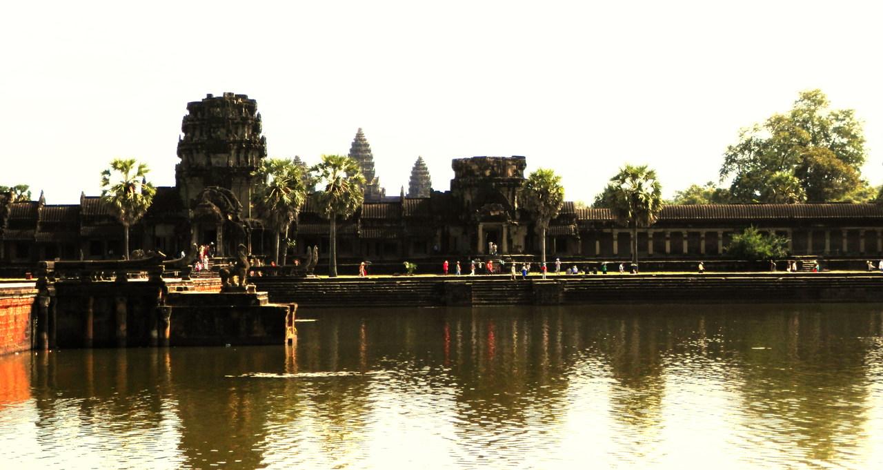 Angkor3_Easy-Resize.com